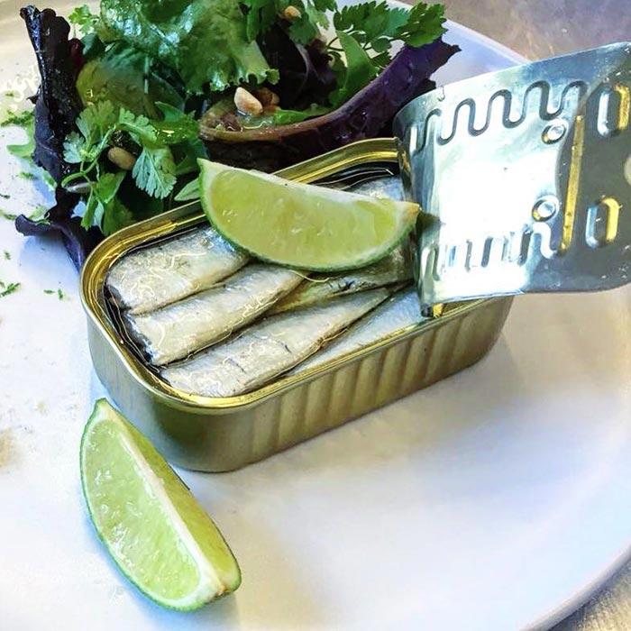 sardine à l'huile ramón pena,citron vert, snacking après-midi